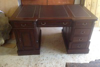 Pedestal writing desk Victorian style