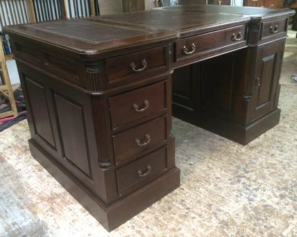Pedestal writing desk Victorian style4