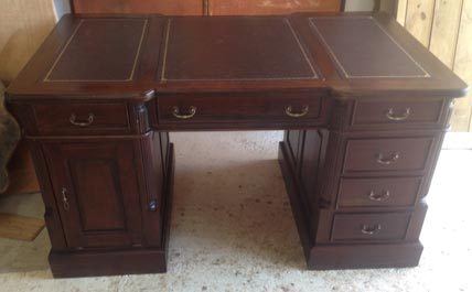 Pedestal writing desk Victorian style3