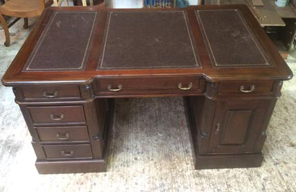 Pedestal writing desk Victorian style8